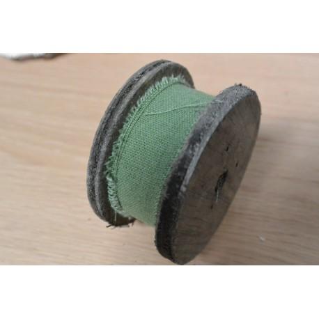 Ruban de tissu vert foncé