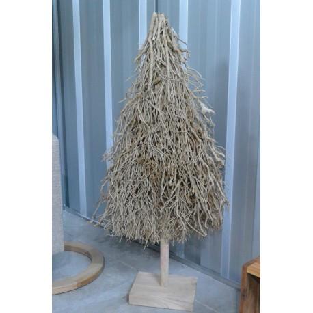 Sapin de noël en brindille de bois sur pied